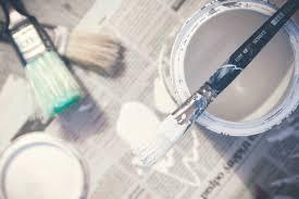 10-inspirerende-tips-voor-winterdecoratie-zelf-verf-maken