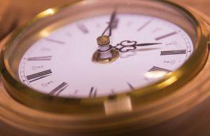5-tips-om-sneller-in-slaap-te-vallen-vaste-bedtijd