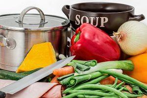 voedsel-bereiden-koken-en-bakken-groente-schillen