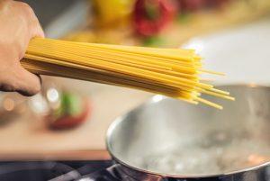 voedsel-bereiden-koken-en-bakken-koken