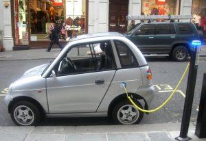 zuinig milieuvriendelijk auto rijden elektronisch