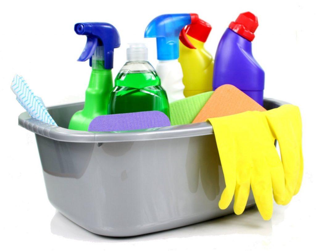 kinderen huishouding helpen schoonmaken