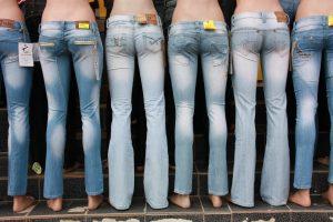 basiskledingstukken vrouw jeans