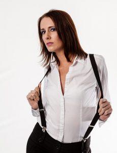 basiskledingstukken vrouw witte blouse