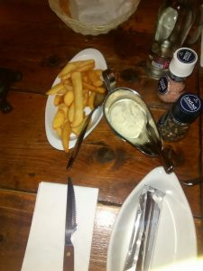 cafe bistro robin hood patat
