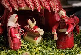 vreemde kersttradities wereldwijd radijsjes