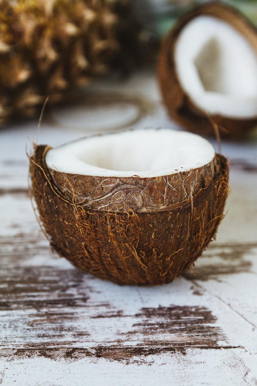 kokosnoot veelzijdig voor gezondheid open kokosnoot