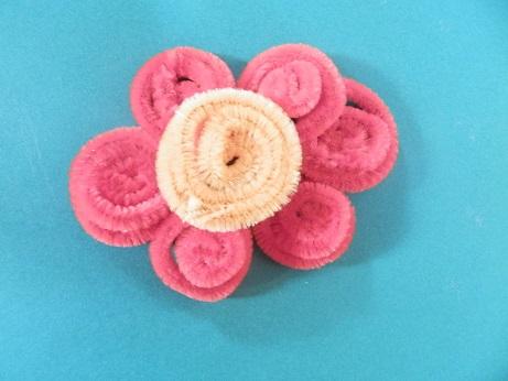 DIY voor kinderen pijpenrager bloem maken 4