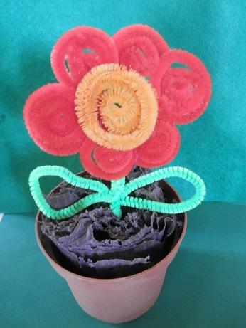 DIY voor kinderen pijpenrager bloem maken
