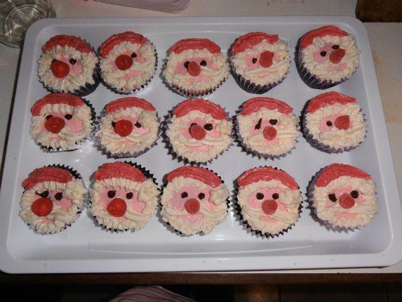 Kerstman cupcakes maken