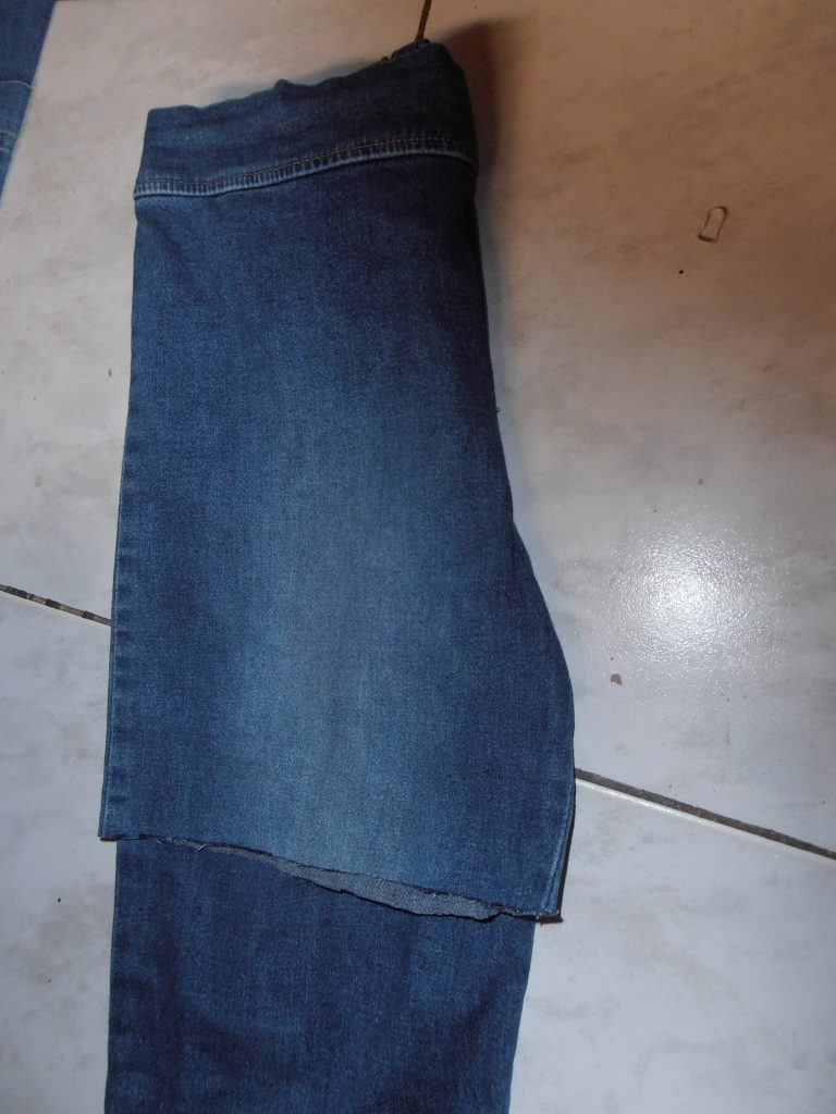 tip spijkerbroek trendy short maken 3