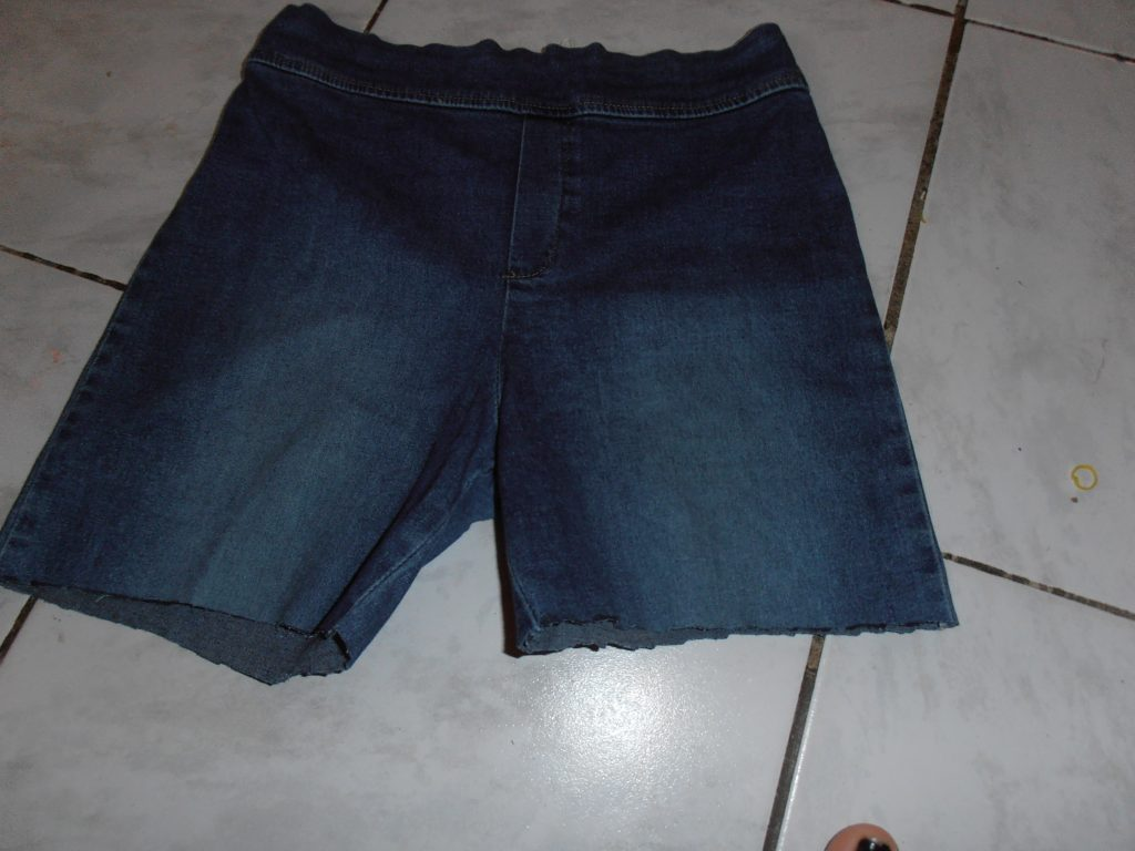 tip spijkerbroek trendy short maken 4