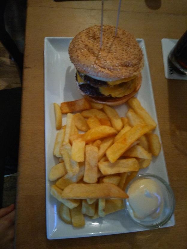 Amerikaans eten bij Three Sixty sportsbar CentrO 1