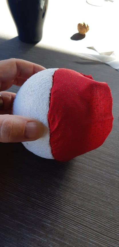 DIY Kerstbal van leuke stoffen maken 8