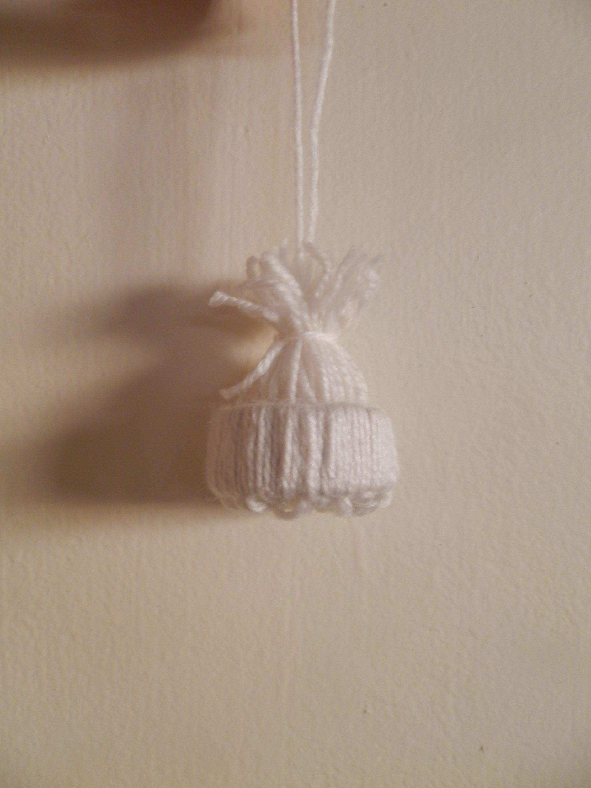 DIY Wintermuts hanger