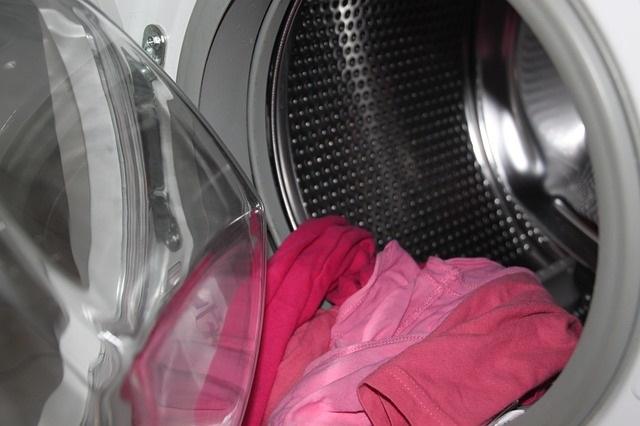 9 Wasfouten die je kleding kunnen ruïneren en hoe je dan wel moet wassen wasmachine