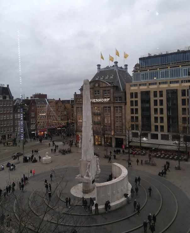 Ontdek Amsterdam lopend, met de boot of de hop on hop off bus dam