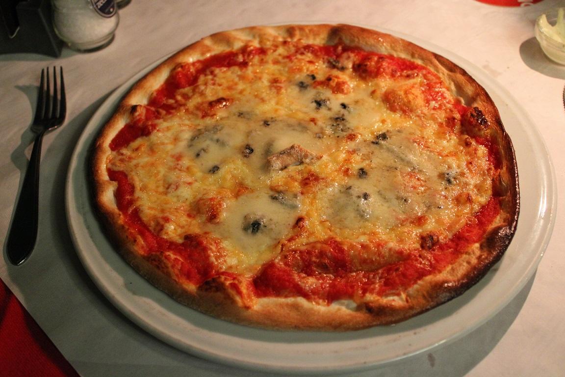 Restaurant en pizzeria Pinoccio genieten van Italiaans eten pizza