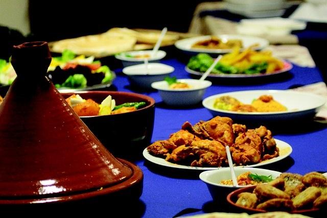Hoe zit het met tafelmanieren in andere landen Ontdek het nu marokkaans eten