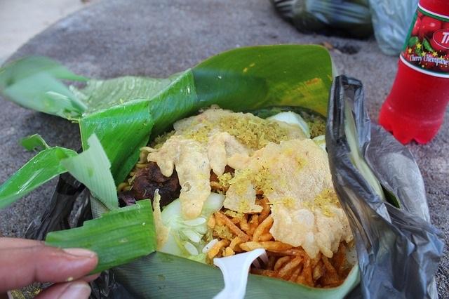 Hoe zit het met tafelmanieren in andere landen Ontdek het nu surinaams eten