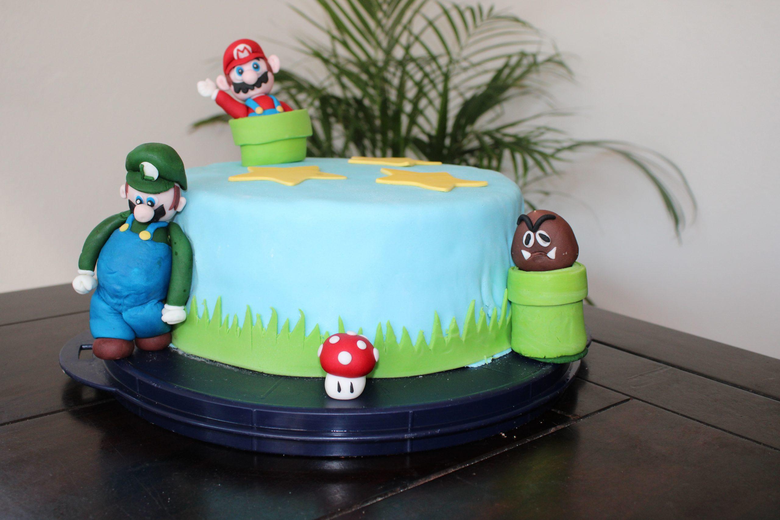 DIY fondant Mario maken met stap voor stap handleiding taart