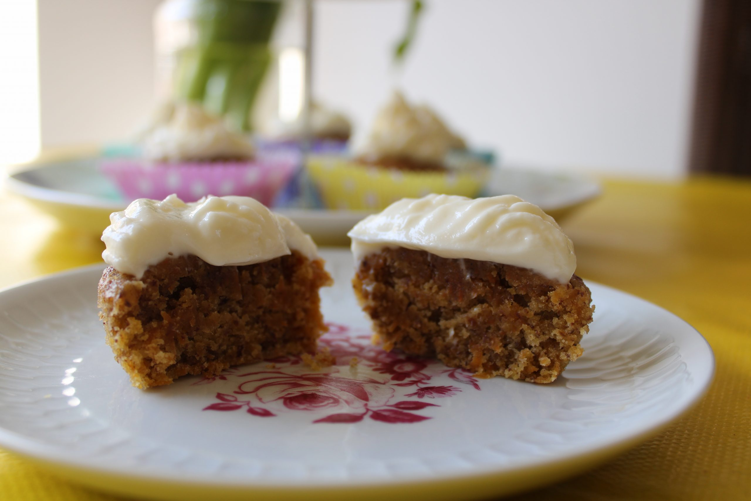 Recept smeuïge wortelcupcakes met roomkaastopping 3