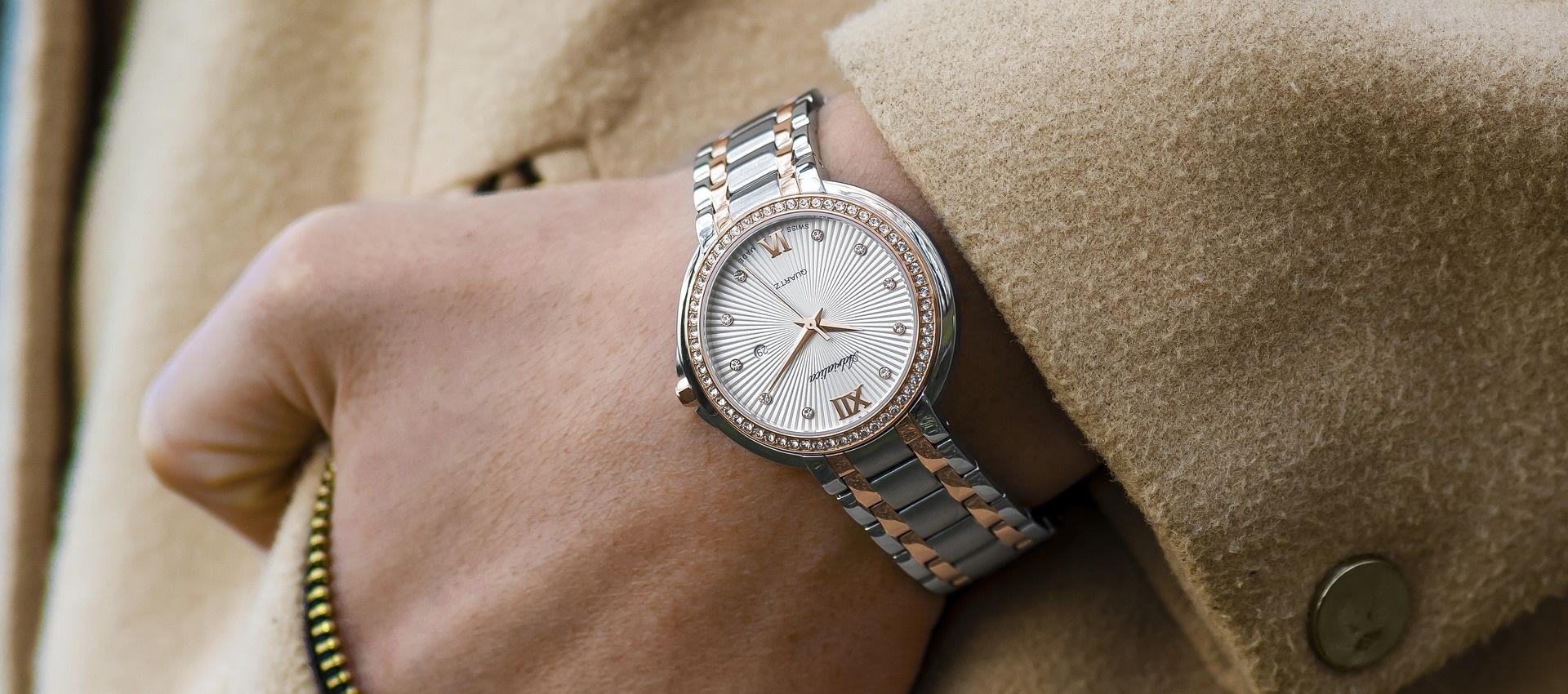 Verras moeder voor Moederdag met een mooi horloge