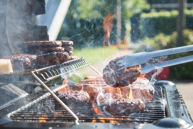 Tips om optimaal genieten van je eigen achtertuin barbecue