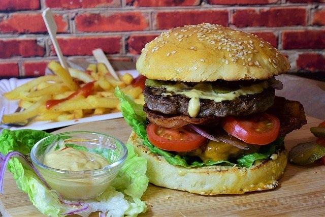 Inspiratie wat te eten met deze warmte hamburger