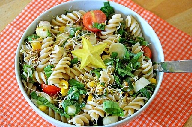 Inspiratie wat te eten met deze warmte pastasalade