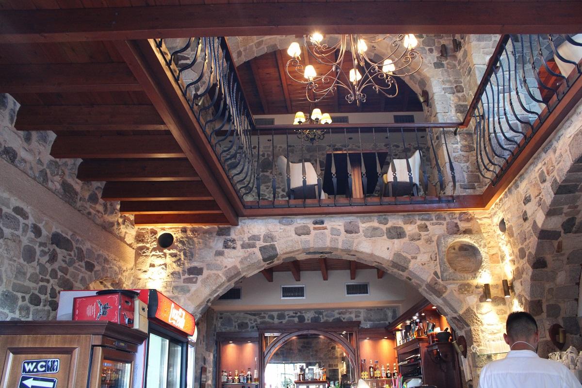 Tips voor lekkere en betaalbare restaurants op Kos Flamingo restaurant binnen