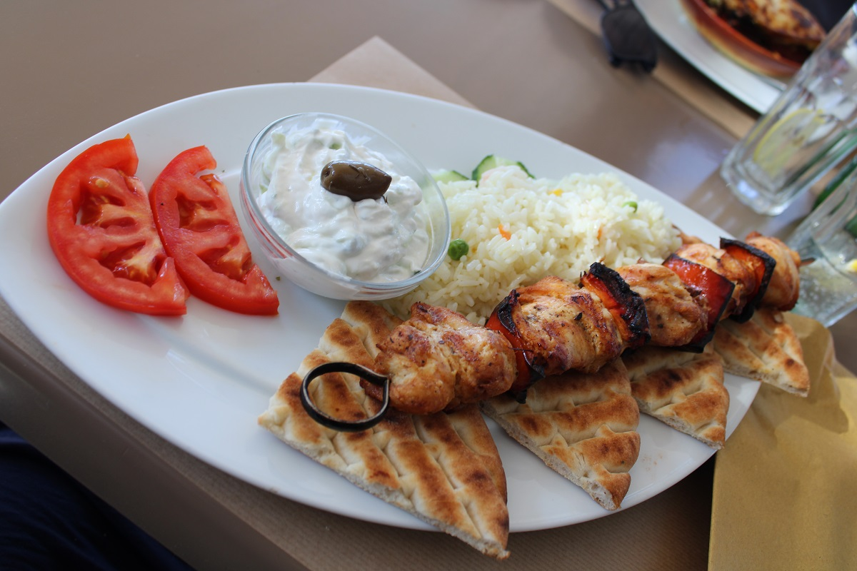 Tips voor lekkere en betaalbare restaurants op Kos Flamingo spies