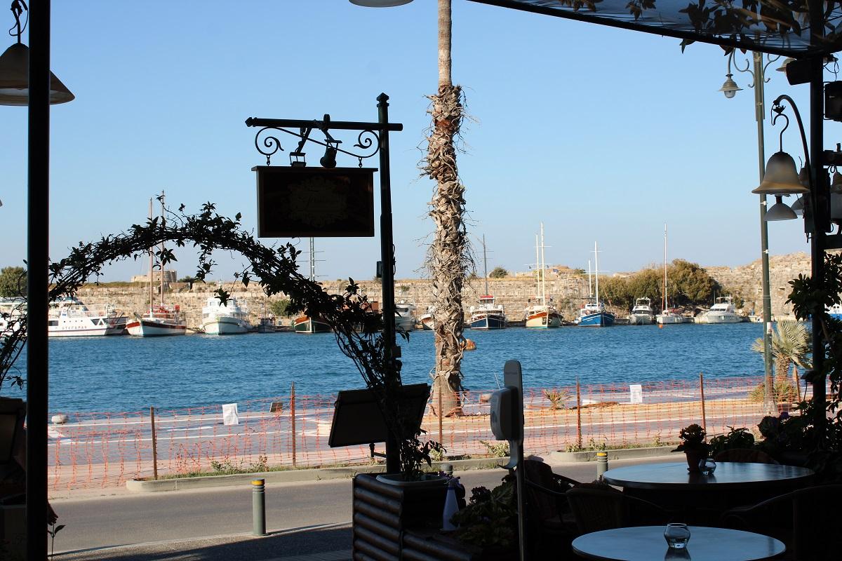 Tips voor lekkere en betaalbare restaurants op Kos Flamingo uitzicht haven Kos stad