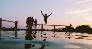 Zwemmen in natuurwater pas op voor de blauwalg
