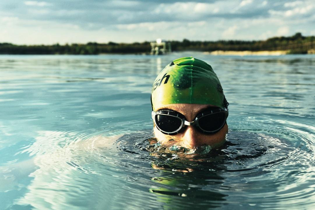 Zwemmen in natuurwater pas op voor de blauwalg zwemmer