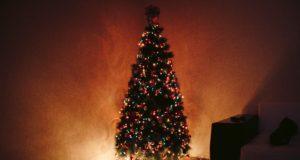 De ware Bijbelse oorsprong van het christelijke Kerst is heidens kerstboom