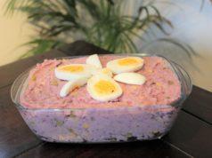 Recept voor heerlijke roze Surinaamse huzarensalade