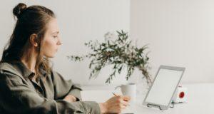 Zo creëer je thuis een fijne en rustige werkplek