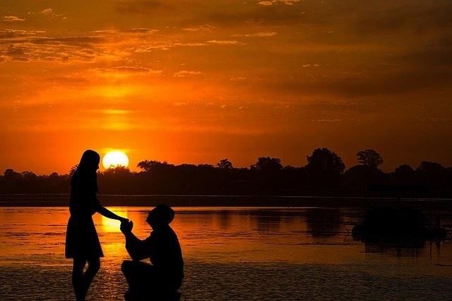 20 Tips voor een huwelijksaanzoek romantisch en origineel zonsondergang