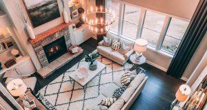 Met deze 7 tips maak je jouw woonkamer gezelliger