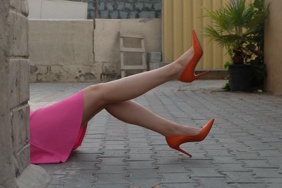 Stylingtip welke schoenen passen bij welke rok of jurk color blocking
