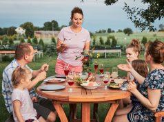 De leukste tips om gezellig te tafelen met je familie tijdens zwoele zomeravonden