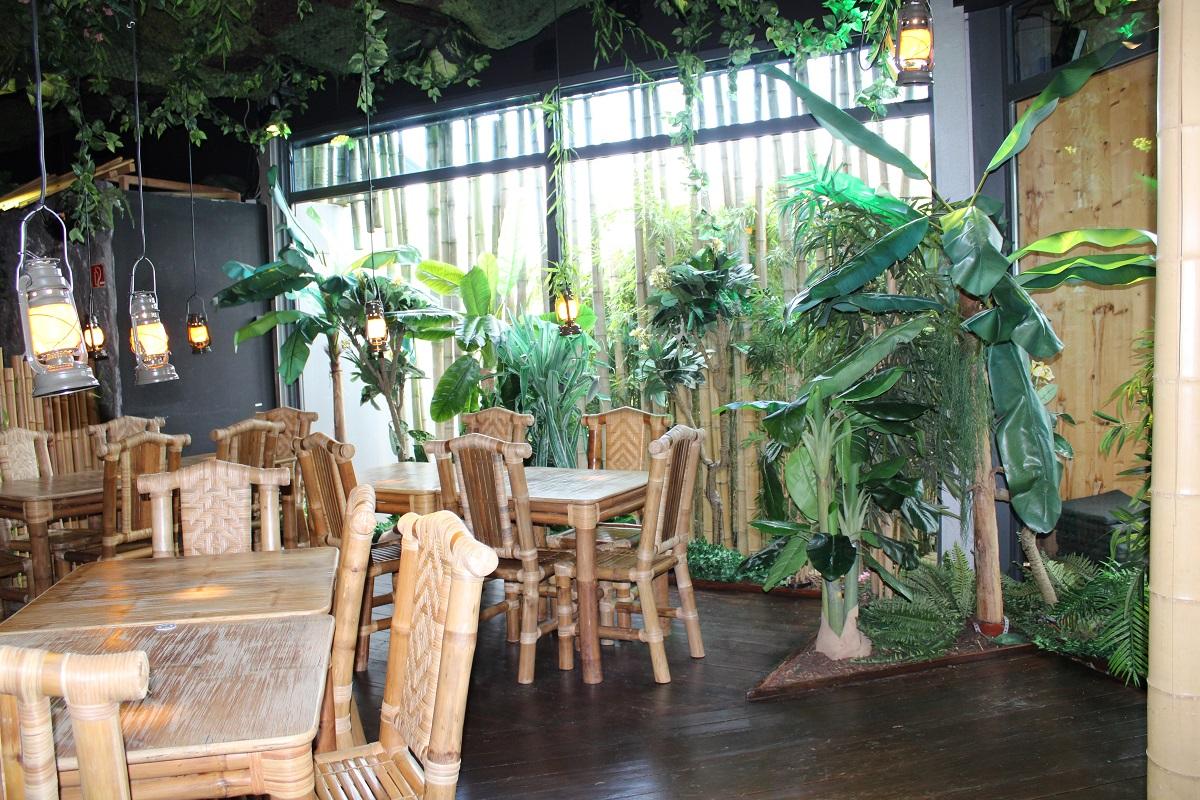 Lekker eten en vermaak voor de kinderen bij BamBoo Beach Club in Ahaus interieur