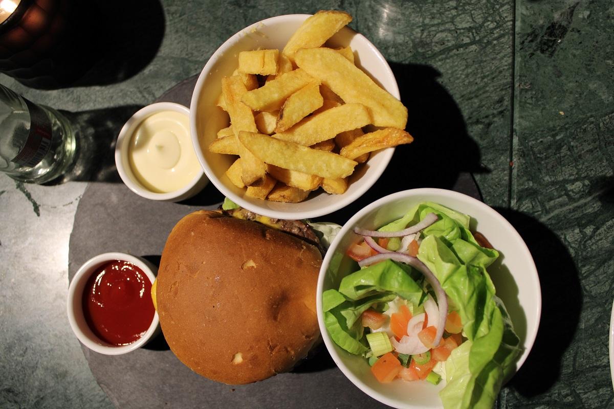Lunchtip Amsterdam Bistro Berlage burger