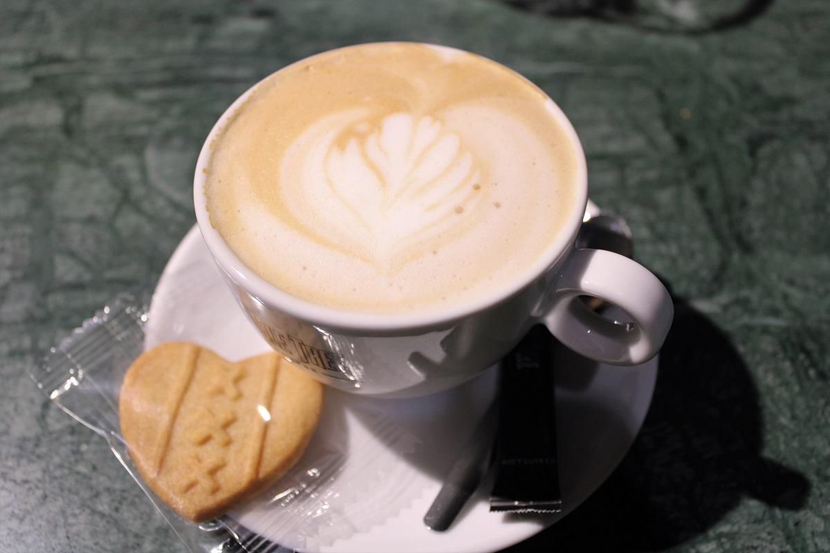 Lunchtip Amsterdam Bistro Berlage cappuccino