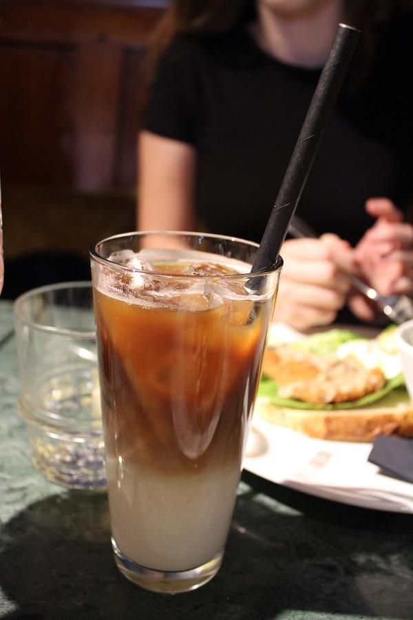 Lunchtip Amsterdam Bistro Berlage ijskoffie