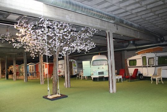 Outside Inn warm en comfortabel kamperen in de herfst en winter