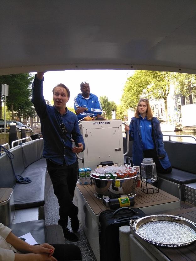 World Clean Up Day maak de wereld een klein beetje schoner starboard boot